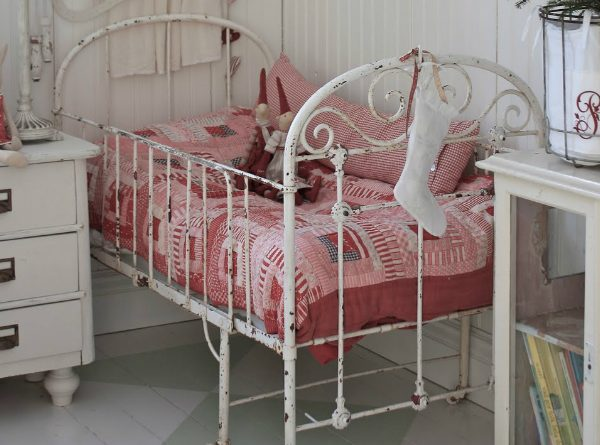 Vintage Beds For Kids Rooms That Are Timeless ➤ Discover the season's newest designs and inspirations for your kids. Visit us at kidsbedroomideas.eu #KidsBedroomIdeas #KidsBedrooms #KidsBedroomDesigns @KidsBedroomBlog vintage beds for kids Vintage Beds For Kids Rooms That Are Timeless Vintage Beds For Kids Rooms That Are Timeless Cover 600x445