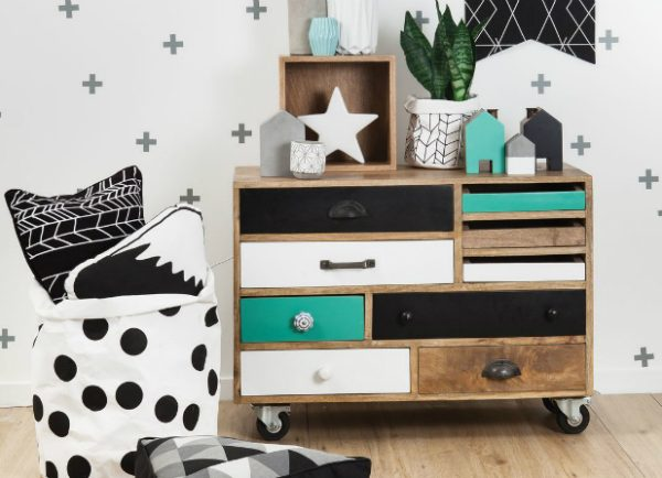 Perfect Chest of Drawers For Kids Bedrooms ➤ Discover the season's newest designs and inspirations for your kids. Visit us at kidsbedroomideas.eu #KidsBedroomIdeas #KidsBedrooms #KidsBedroomDesigns @KidsBedroomBlog chest of drawers for kids bedrooms Perfect Chest of Drawers For Kids Bedrooms Perfect Chest of Drawers For Kids Bedrooms Cover 2 600x434