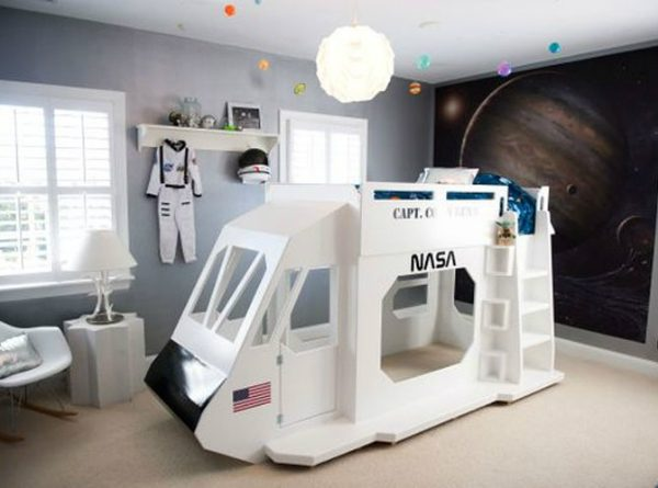 Get the Look: How to Create the Perfect Astronaut-inspired Bedroom ➤ Discover the season's newest designs and inspirations for your kids. Visit us at www.kidsbedroomideas.eu #KidsBedroomIdeas #KidsBedrooms #KidsBedroomDesigns @KidsBedroomBlog astronaut-inspired bedroom Get the Look: How to Create the Perfect Astronaut-inspired Bedroom Get the Look How to Create the Perfect Astronaut inspired Bedroom Cover 600x445