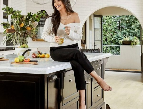 celebrity nurseries Celebrity Nurseries – Shay Mitchell Opens up her House Celebrity Nurseries Shay Mitchel Opens up her House 1 600x460  Kids Bedroom Ideas Celebrity Nurseries Shay Mitchel Opens up her House 1 600x460