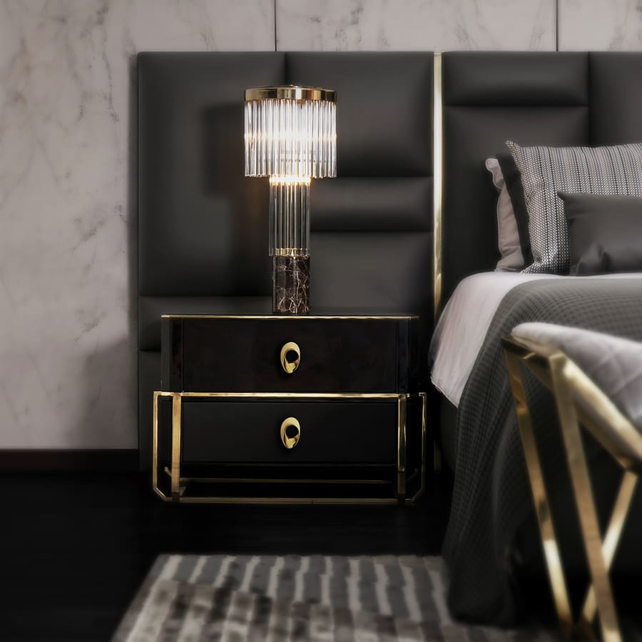 gold details for the perfect bedroom in dark tones